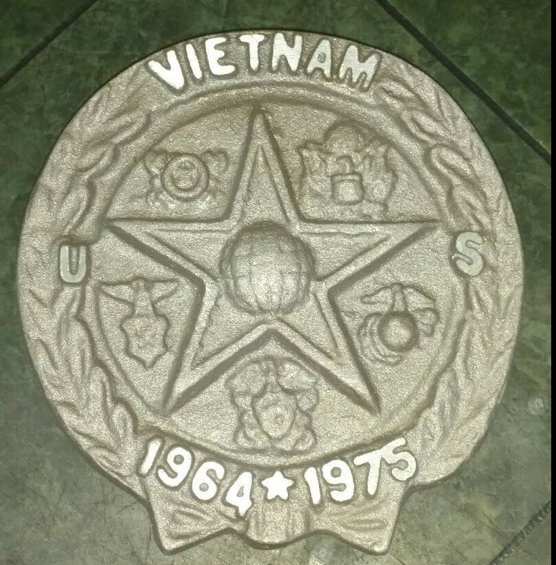 vietnam BillionGraves, flags, military, flag holders, medallion, Veteran, US, USA, US veteran, army, navy, marine, air force, cemetery, gravestone, grave, BillionGraves