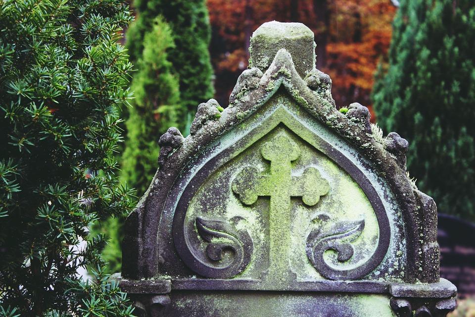 cross, gravestone symbol, BillionGraves, Irish Famine, celtic cross, cemetery, genealogy, family history, ireland, St. Patrick's Day, Irish wake, Irish burial customs, family history, genealogy, ancestors