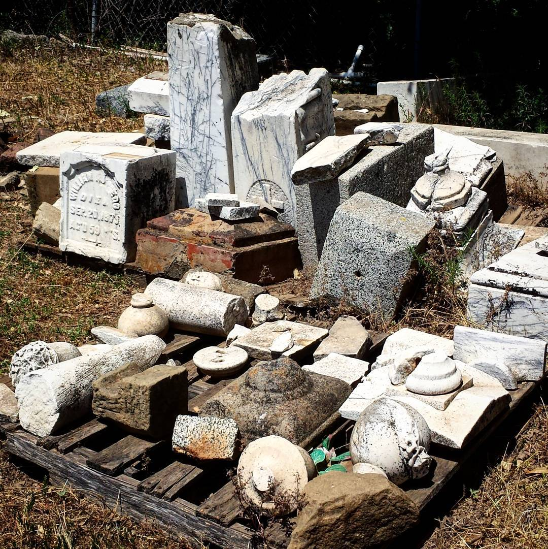 BillionGraves, gravestone, grave, damaged gravestones, cemetery, family history, ancestors, community service project, JustServe, BillionGraves app, ivy, plant growth, JustServe, granite, damage
